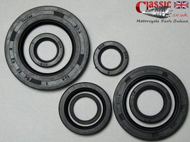 Triumph 3TA/ 5TA/ T100/ TR5T/ T90 Engine/Gearbox Oil Seal Set