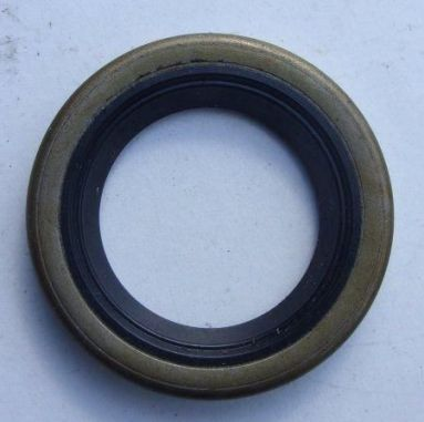 Norton Commando 850cc kickstart shaft oil seal 06-6145